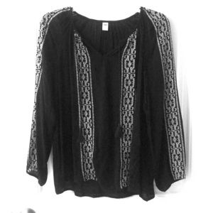Old Navy Black embroidered blouse size M